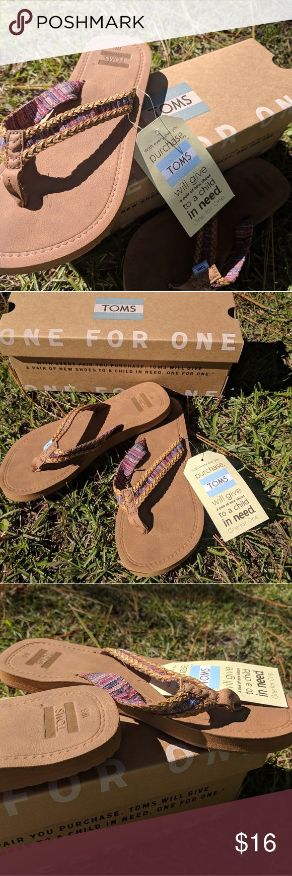 "Toms flip flop solana NWT Brand NEW with TAGS Toms Solana Flip Flop Sand Pink Mix Textile  Featuring braided straps and a cushioned footbed, we like to think of the Solana as the perfect ""by-the-front-door"" sandal.  Sand upper  Tribal textile straps with braided trim  Cushioned footbed with arch support  TOMS flag at toe post Toms Shoes"