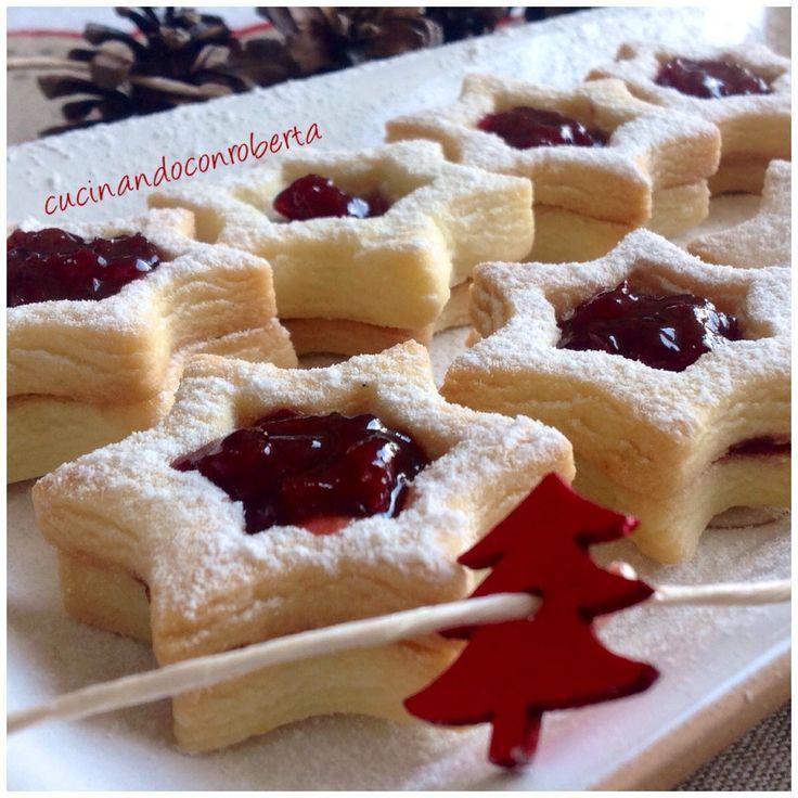 I biscotti al burro, friabili, leggeri e fatti in casa, sono i dolci che prediligo in assoluto. Con la giusta ricetta e piccoli accorgimenti da osservare,