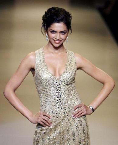 Deepika Padukone Sexy Outfit Still