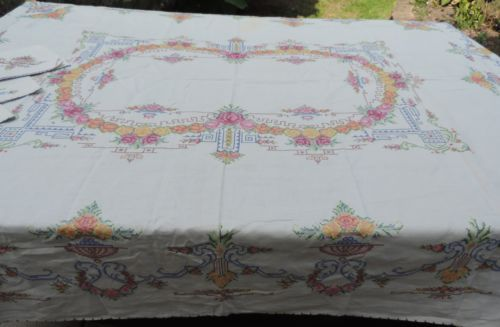 Gorgeous Antique Linen Hand Embroidery Counted Cross Stitch Tablecloth 4 Napkins