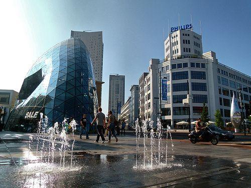 beautiful Eindhoven - mooi Eindhoven, de Emmasingel vanaf het 18 Septemberplein met de Blob, Lichttoren en Witte Dame, de Admirant en de Regent
