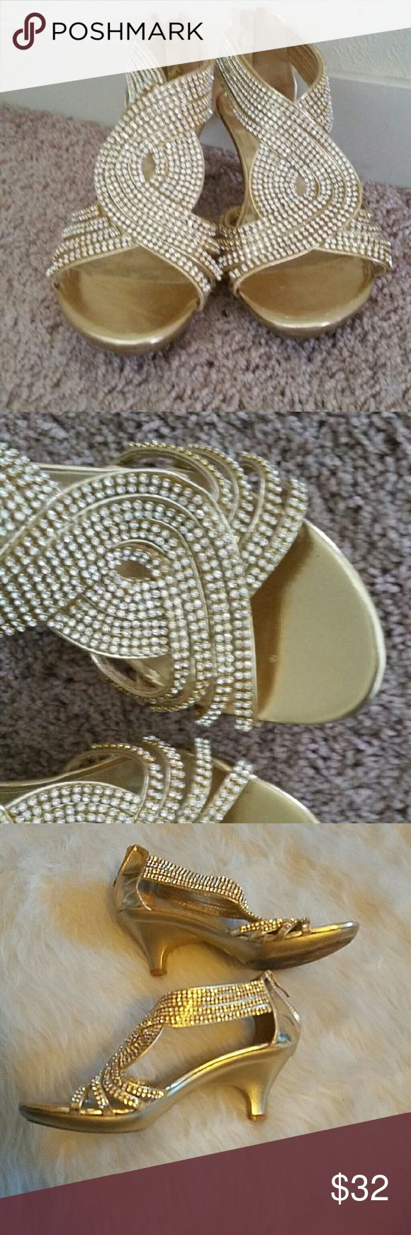 Stunning gold rhinestone heels Gold heels covered in rhinestones, No missing stones, EUC!! Shoes