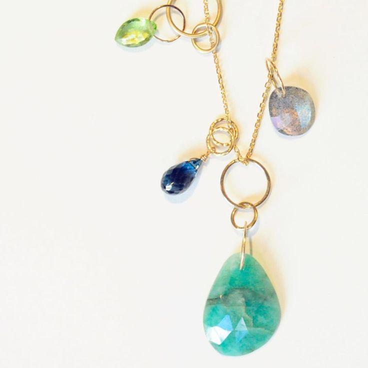 「color moments」 全て一点もの、世界に1つだけのネックレスシリーズ☆  石とパーツが取り外せるので新たに付け足す事も出来ます! 組み合わせを変える事で何通りも楽しめる素敵ネックレス♪  是非店頭でご覧下さい。  #anqjewelry  #ジュエリー#jewelry #天然石#stone #ネックレス#necklace #ファッション#fashion #グリーン#緑#green #一点もの  anq.お取り扱い店舗  #銀座#ginza#銀座サロン #東京#新丸ビル#ブランティムール #大阪#グランフロント大阪#クークロワッサンノヴェル#kucroissantnovel #大阪高島屋#kucroissant大阪高島屋