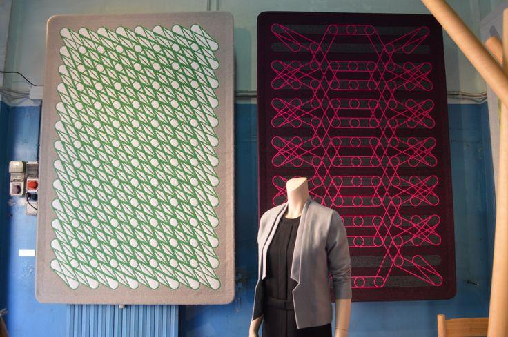 Sigrid Calon in Ventura Lambrate met wandkleden gemaakt in het TextielLab.