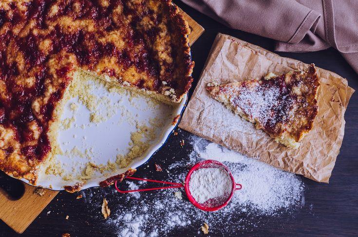 Crostata alternativa: crema pasticcera e amaretti