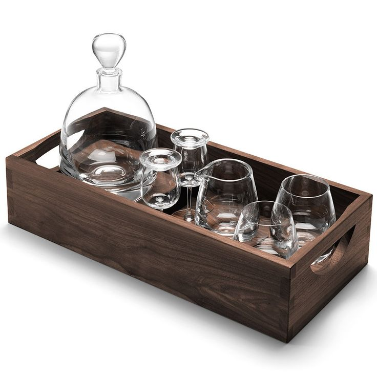 LSA+Whisky+Islay+Connoisseur+Set+With+Walnut+Tray+-+Walnut+tray+with+whisky+decanter,+4+glasses+and+jug.  Created+for+the+whisky+connoisseur,+this+luxury+set+combines+a+series+of+handmade+pieces+to+optimise+the+experience+of+drinking+whisky.  With+clean,+contemporary+lines,+Islay+is+a+modern+interpretation+of+traditional+whisky+drinkware.  Including+tumblers,+a+water+jug+and+decanter,+the+set+is+characterised+by+its+tapered+shapes+and+commanding+heavy+bases…