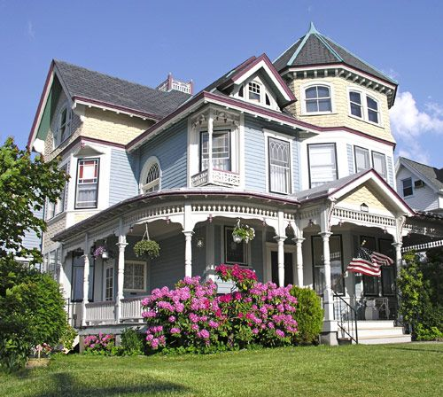 A Complete Tour Of A Victorian Style Mansion: Victorian Style House 7 BR, 3 BA, 4,655 Sq. Ft., Built In