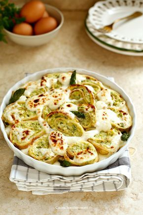 Cucina Scacciapensieri: Rotolo di crepes agli asparagi e crema al pecorino per Taste&More n. 19