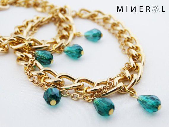 Bracelet couleur or avec crystal vert par MNRL sur Etsy