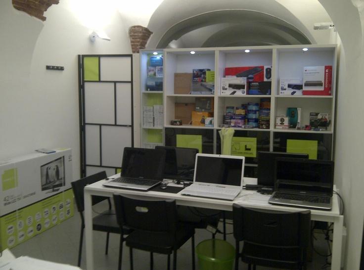 Interno negozio, Aula corsi - IES Levanto - Informatica E Servizi