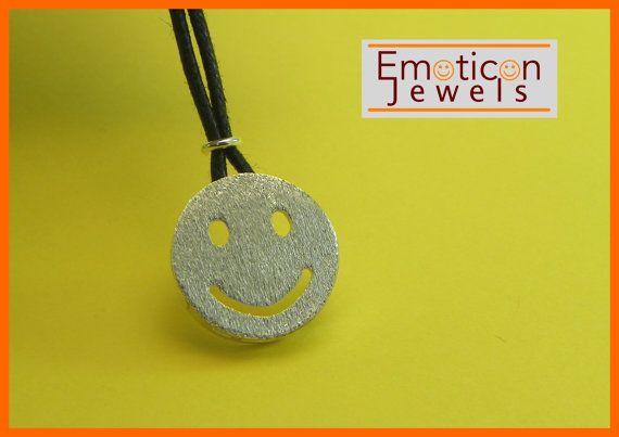 Ciondolo Emoticon Argento SMILE di GioielliOliveri su Etsy