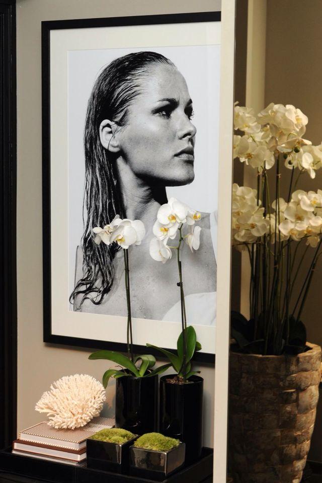 The Netherlands / Ridderkerk / Show Room / Living Room / Stills / James Bond / Dr. No / Ursila Andres / Status Living / Eric Kuster / Metropolitan Luxury