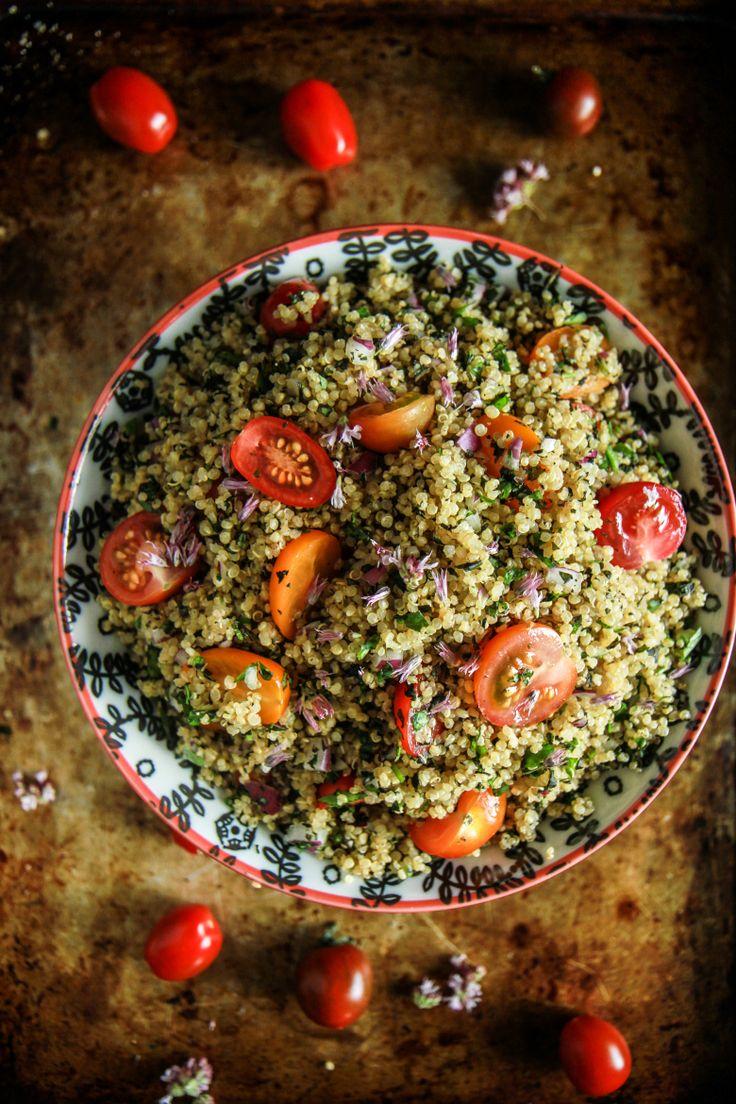 Hallottál már a quinoa-ról, más néven az indiánkölesről? Már az itthoni bioboltokban is könnyen hozzáférhető, és érdemes néha lecseré...