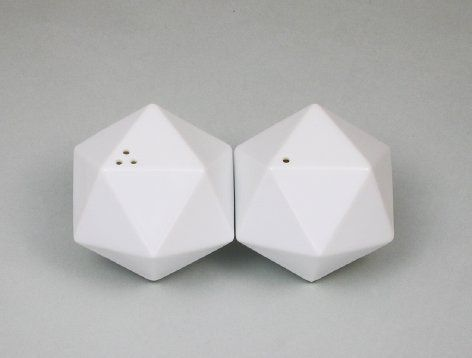 "Salt & Pepper Shaker ""icosa"" from TaiDesign."