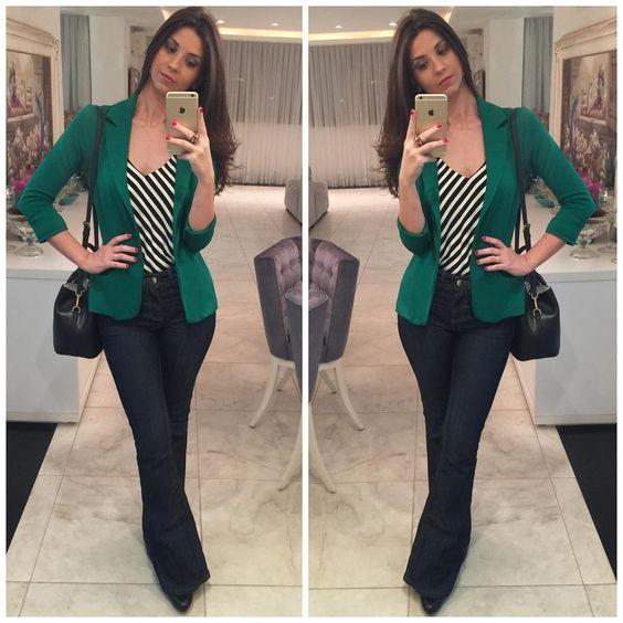 Gosto do jeans com verde e das listras diagonais da blusa.