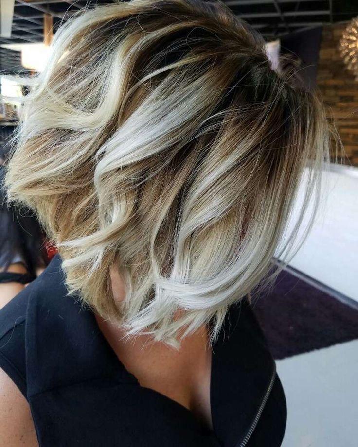 balayage ombré blond cendre pour cheveux courts en coupe bob
