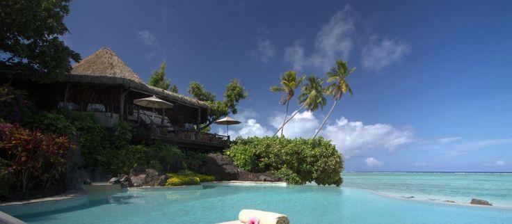 Slap af ved poolen på Pacific Resort Aitutaki, Cook Islands