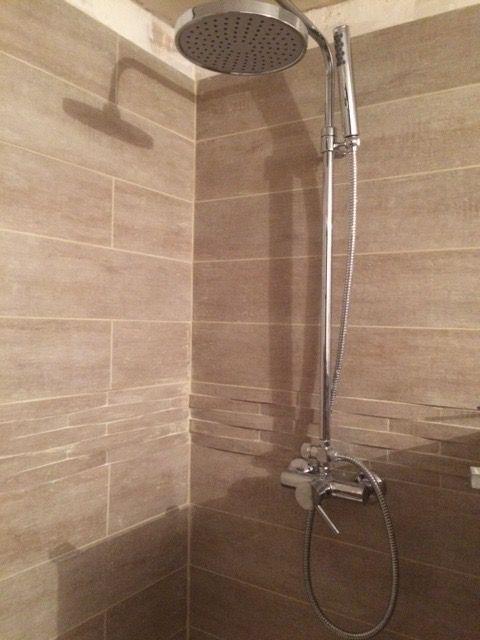 34 best salle de bain images on Pinterest Bathroom, Bathrooms and - photo faience salle de bain