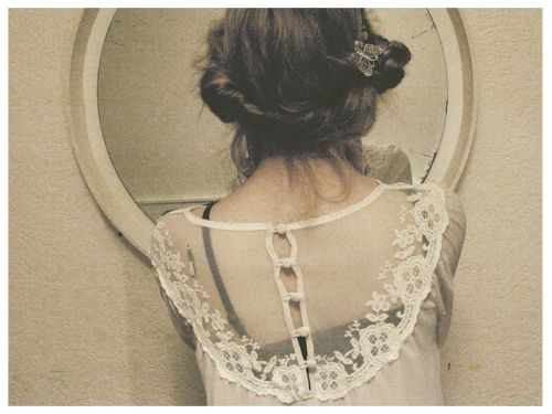 So pretty: Lace Ribbons, Ribbons Bows, Mirror Mirror, Butterflies, Style, Wavy Hair, Cute Hair, Pretty Hair, Snow White