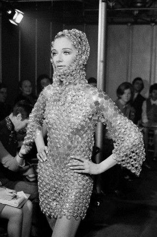 Платье, созданное Пако Рабаном (1968 год)