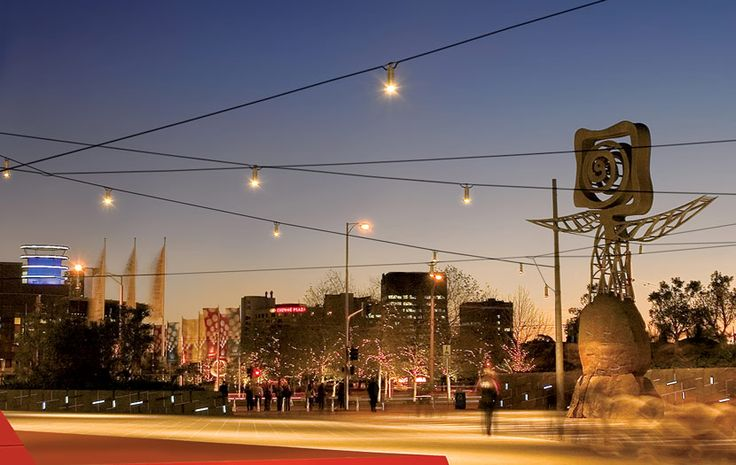 http://www.ronstantensilearch.com/wp-content/uploads/2013/11/Queensbridge-Square-Catenary-Lighting-by-Ronstan-Tensile-Architect…
