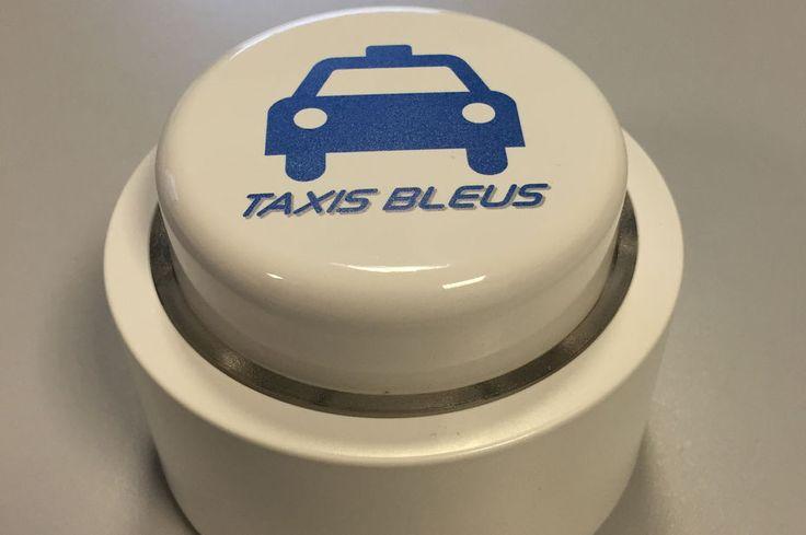 Avec son bouton connecté, Les Taxis Bleus vise un public… non connecté