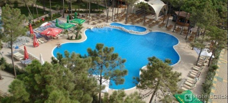 L'Hotel Dolce Vita ospita 2 ristoranti che propongono piatti della cucina internazionale e italiana. #Durazzo #Albania