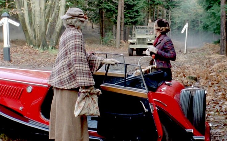 """Miss Marple (Geraldine McEwan) and Tuppence Beresford (Greta Scacci) summon roadside assistance in """"By the Pricking of My Thumbs."""""""
