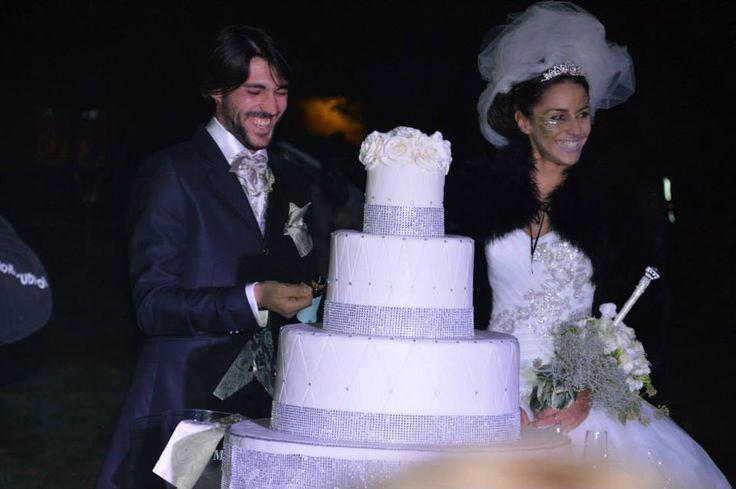 bride, groom, wedding cake