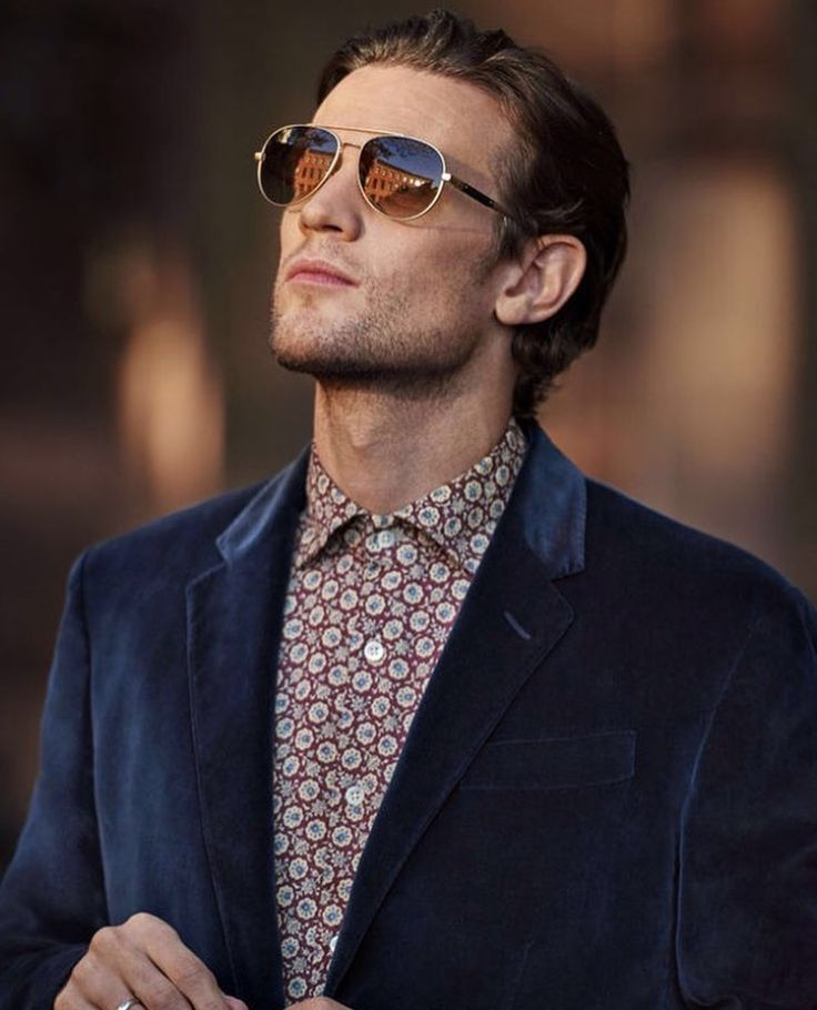 Matt Smith for Mr. Porter magazine, December 2016 issue. My god! He's got a beautiful jawline. :)