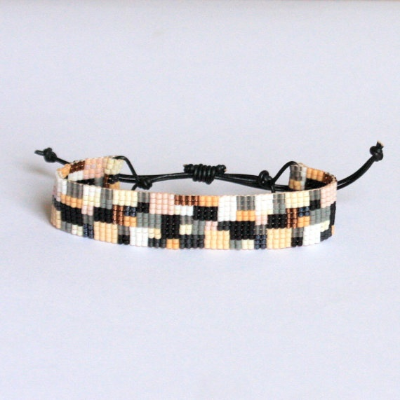 Bracelet Tiny seed beads and leather by Fragmentjewellery. Nice closing.