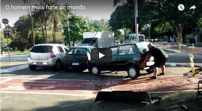 #HeyUnik  Buset, Pengendara Sepeda Ini Angkat Mobil Dengan Tangan Kosong #Video #YangUnikEmangAsyik