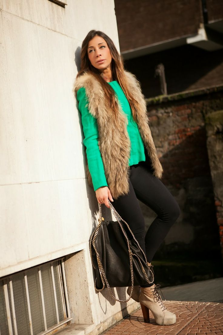 new post on http://www.rosastyle.com/2014/03/green-jacket.html