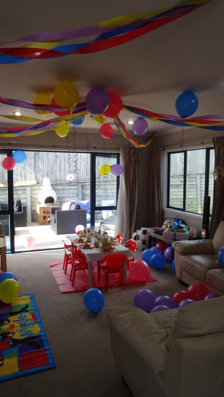 Declan's wiggles party decorations