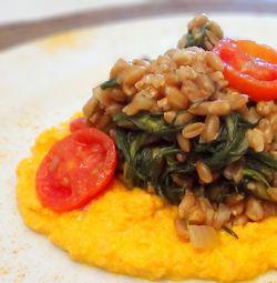 Farro agli Agretti e Mousse di Ricotta e Carote #italianrecipes #italianfood
