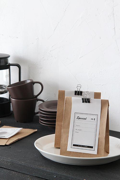 ★1袋9円?!ダイソー100円紙袋&クリップでカフェ風ラッピング|インテリアと暮らしのヒント