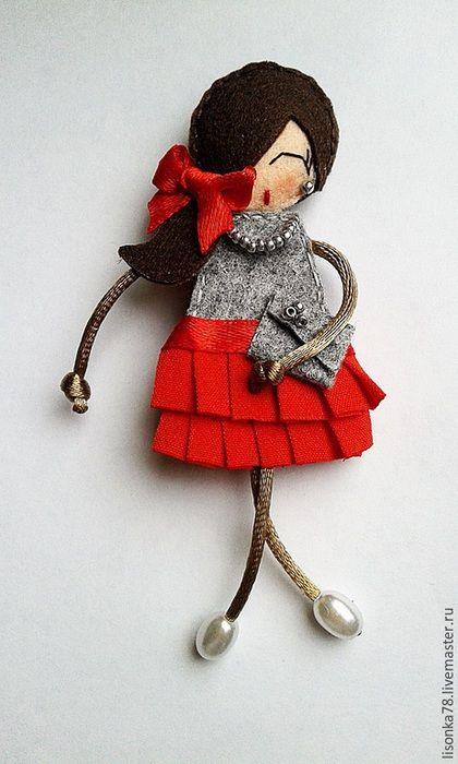 Броши ручной работы. Ярмарка Мастеров - ручная работа. Купить Брошь-куколка из фетра. Handmade. Разноцветный, брошь, брошка-булавка