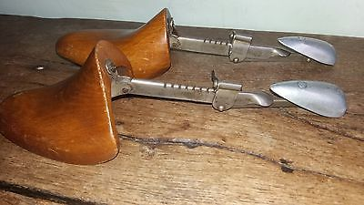 Pair #vintage wooden shoe lasts - shoe #stretchers - #1920's - size 4,  View more on the LINK: http://www.zeppy.io/product/gb/2/381906790881/