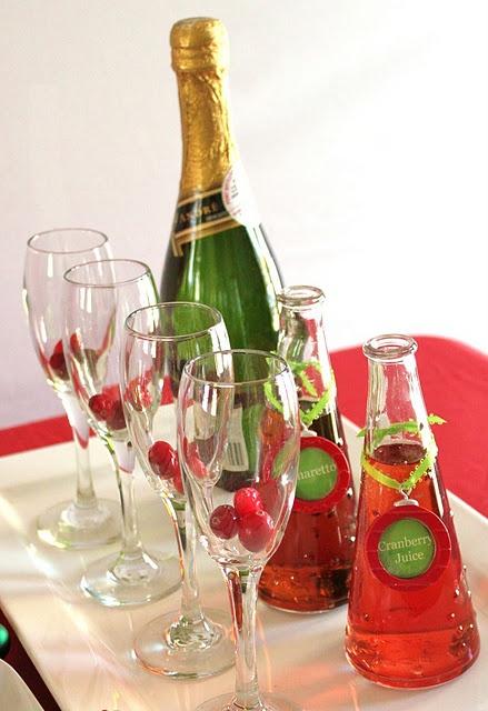 champagne cocktail: Holidays Parties, Cocktails Bar, Sparkle Wine, Cocktails Parties, Cranberries, Elves, Cheer Parties, Champagne Cocktails, Christmas Cocktails