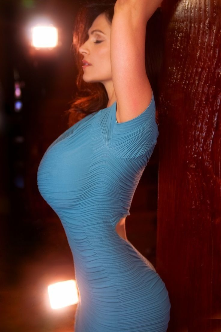 Bigtits in tight dresses, perfect young petite ass