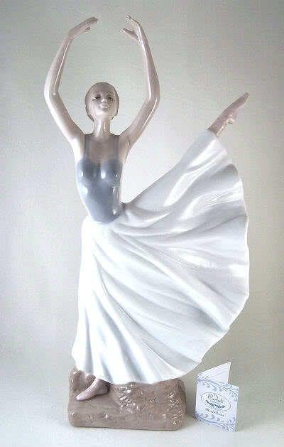 1000 Images About Porcelain Figurine On Pinterest
