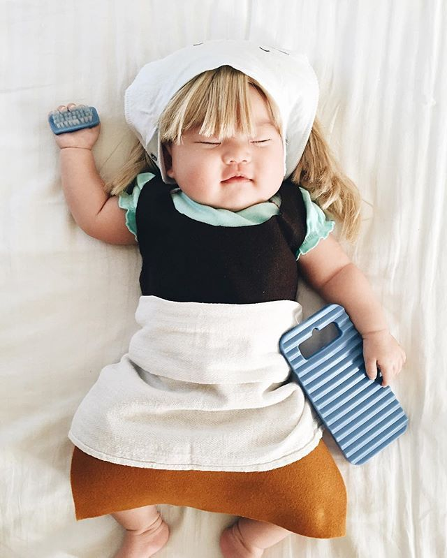 Pin for Later: This Baby Gets Photographed Wearing an Incredible Costume Every Time She Naps Cinderella