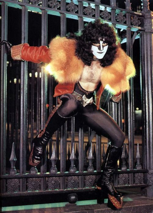 When KISS Ruled The World! - Introducing Eric Carr [July/August 1980] When it...