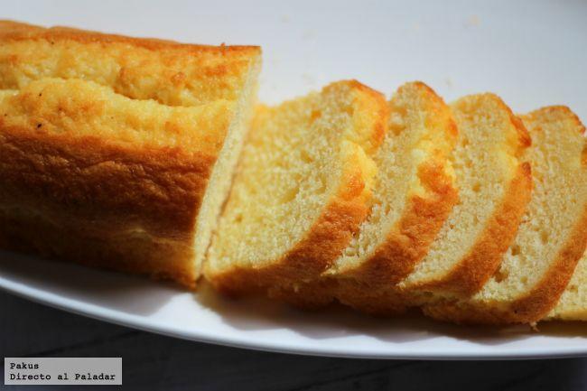 El bizcocho favorito de Elvis Presley (Elvis Presley's Favorite Pound Cake). Receta en español) http://www.directoalpaladar.com/postres/el-bizcocho-favorito-de-elvis-presley-receta
