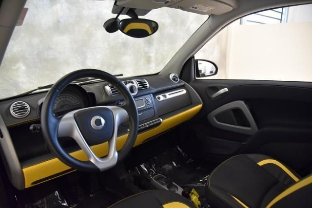 2013 smart ForTwo Passion, yellow grey and black interior