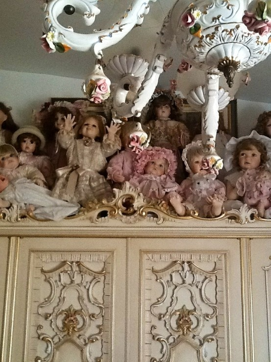 17 Best images about DOLLS DISPLAY