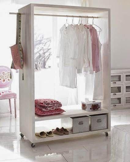 Arara de roupas organizada e prática