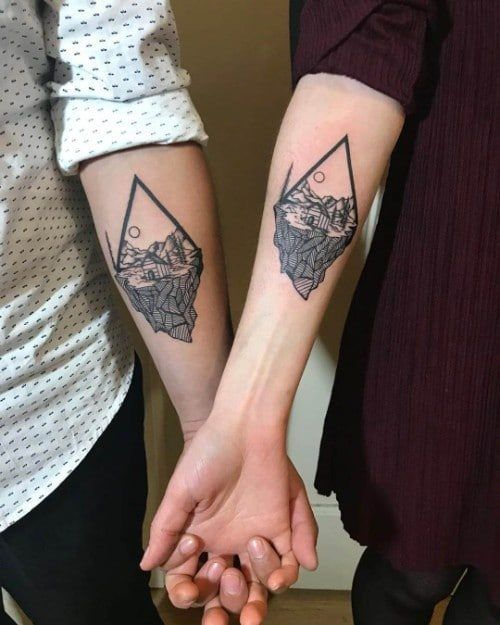 70825d000e73e 18 couple tattoos proving that love is here to stay couple//couple ...
