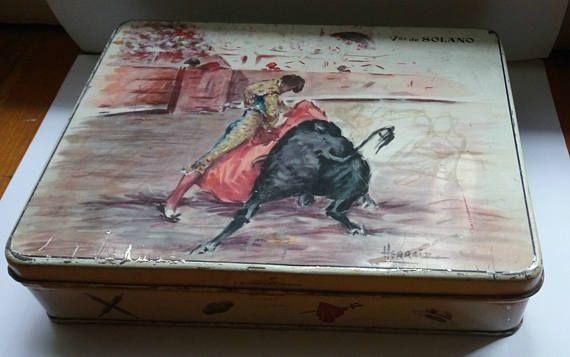 Vintage Vda De solano metal tin spanish toffee box