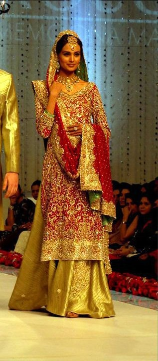 """Red & Gold sparkle! For more fashion, check out my """"South Asian Fashion -BRIDAL COUTURE"""" board :)"""